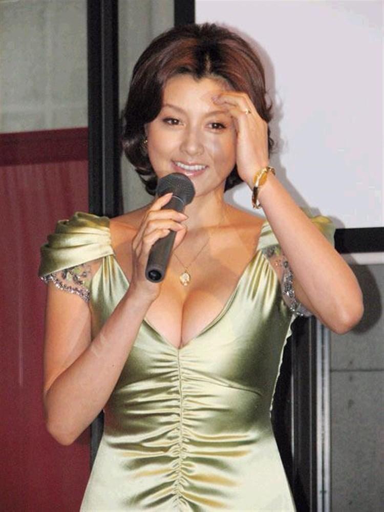 【藤原紀香お宝画像】アラフィフを迎えるベテラン女優が若かった頃のエロ写真 45
