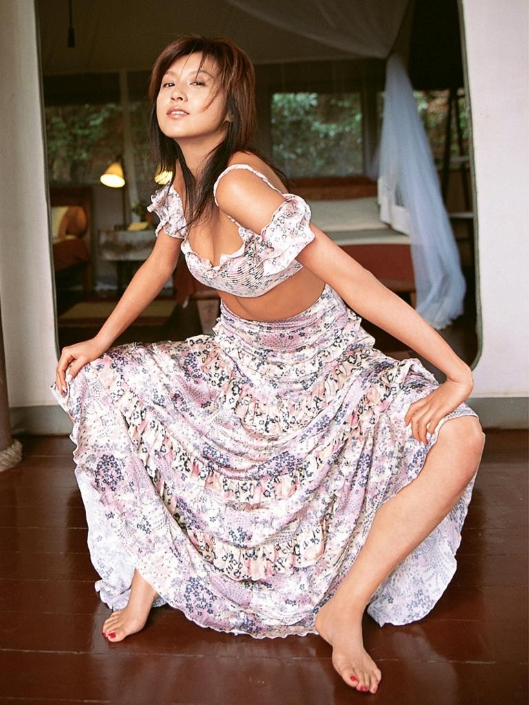 【藤原紀香お宝画像】アラフィフを迎えるベテラン女優が若かった頃のエロ写真 74