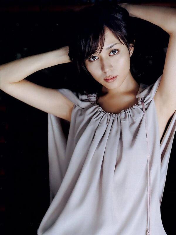 【比嘉愛未キャプ画像】高身長ファッションモデルが女優をしている時のセクシーショット 56