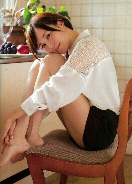 【比嘉愛未キャプ画像】高身長ファッションモデルが女優をしている時のセクシーショット 67
