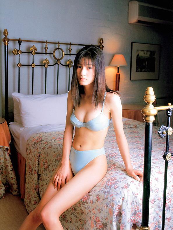 【原史奈グラビア画像】ブルマからランジェリーまで何でも着こなすベテラン女優w 09