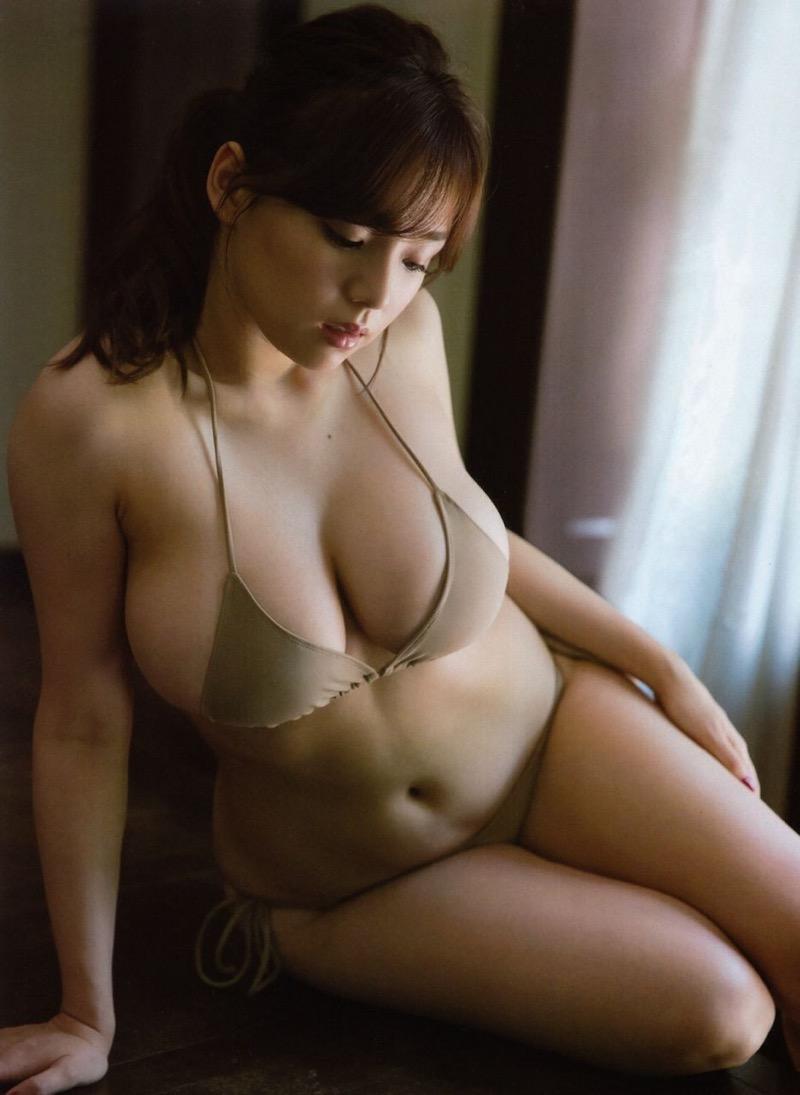 【篠崎愛グラビア画像】あどけない童顔にGカップ巨乳のアンバランスさがエロい! 56