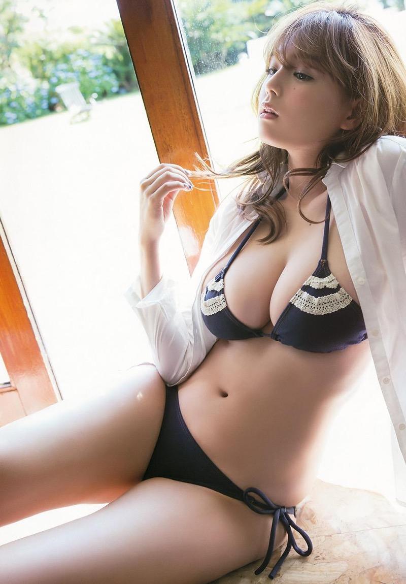 【篠崎愛グラビア画像】あどけない童顔にGカップ巨乳のアンバランスさがエロい! 69
