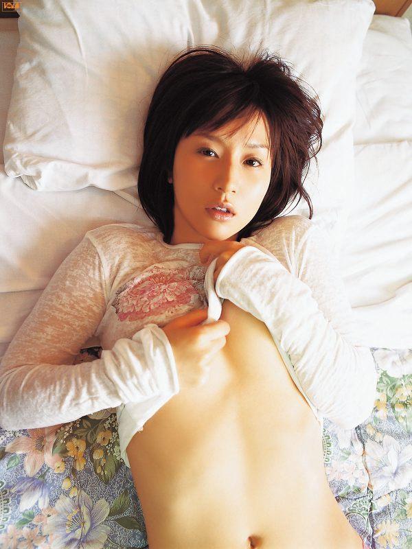 【平田弥里グラビア画像】ウルトラマンメビウスでメガネっ娘を演じてたグラドル! 45