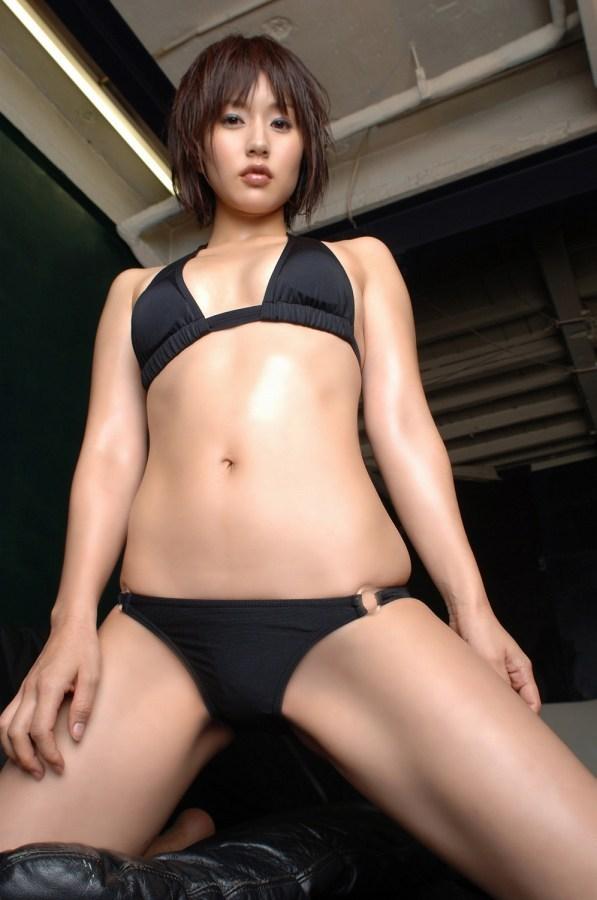 【平田弥里グラビア画像】ウルトラマンメビウスでメガネっ娘を演じてたグラドル! 49