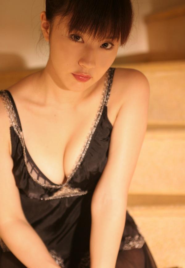 【平田弥里グラビア画像】ウルトラマンメビウスでメガネっ娘を演じてたグラドル! 55