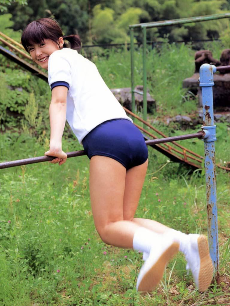 【平山あやグラビア画像】ホリプロタレントの可愛いからセクシーまでが詰まったお宝写真 06