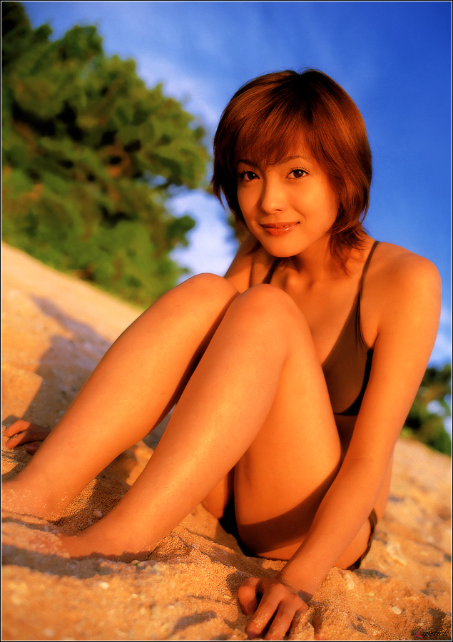 【平山あやグラビア画像】ホリプロタレントの可愛いからセクシーまでが詰まったお宝写真 15