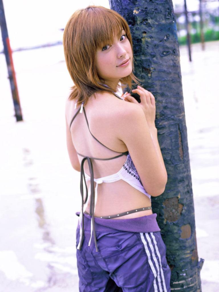 【平山あやグラビア画像】ホリプロタレントの可愛いからセクシーまでが詰まったお宝写真 29
