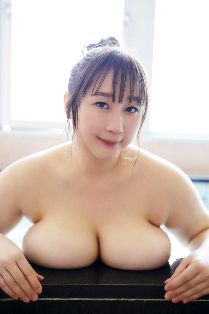 【AKOキャプ画像】ぽっちゃりデカパイお姉さんのエッチな疑似フェラエロ画像 78