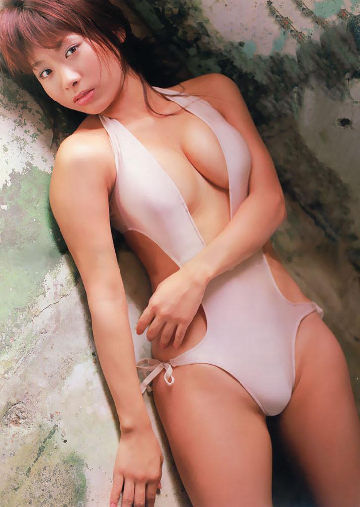【堀田ゆい夏グラビア画像】Fカップ巨乳に大きなお尻がエロいスタイル抜群ギャル! 16