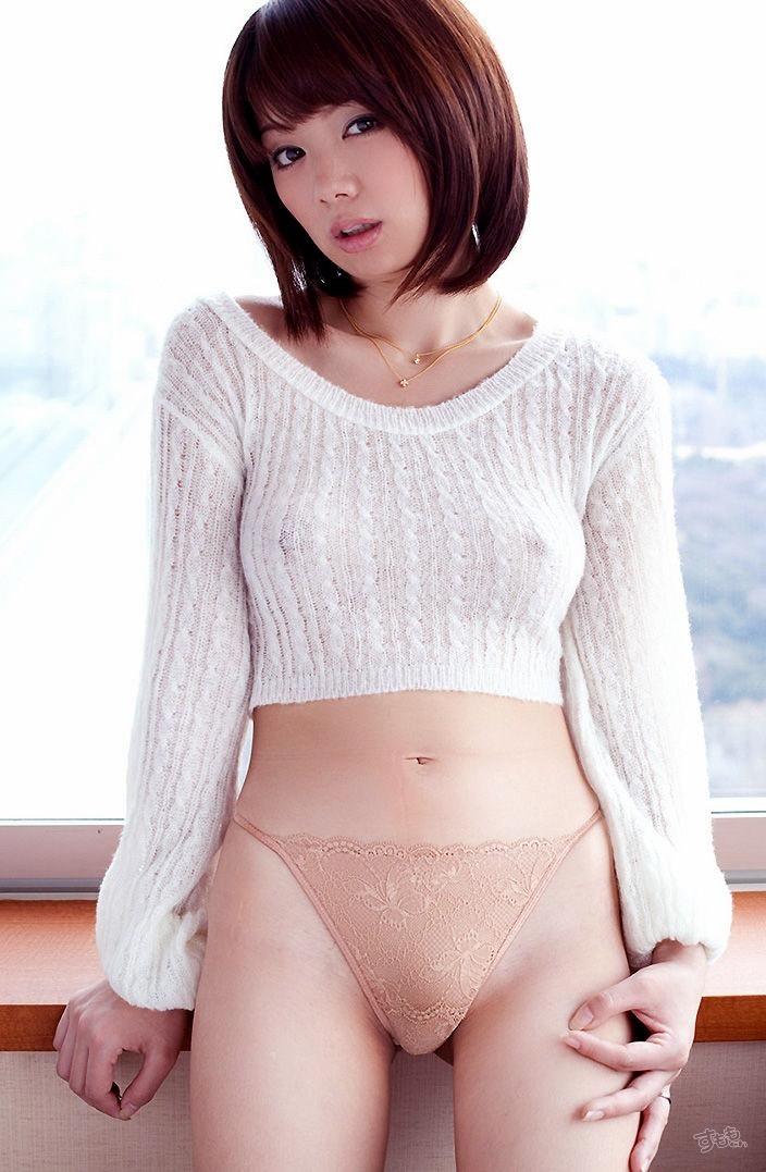 【着衣おっぱいエロ画像】服を着ていてもおっぱいラインがエロい美女! 56