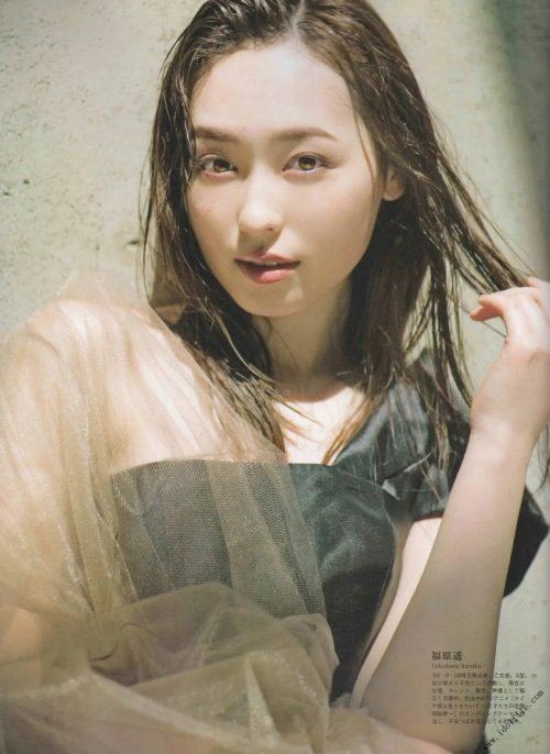 【福原遥グラビア画像】21歳で芸歴15年の若くて可愛いベテラン女優の水着姿 34