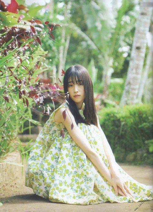 【福原遥グラビア画像】21歳で芸歴15年の若くて可愛いベテラン女優の水着姿 52