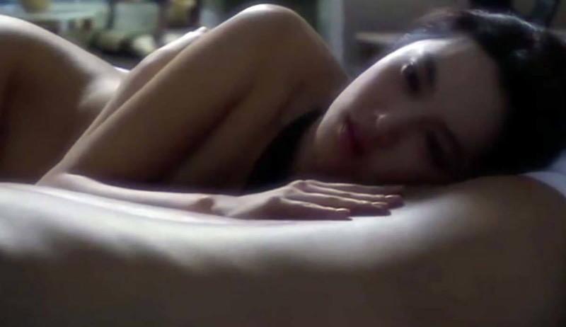 【芦名星濡れ場画像】元ファッションモデルの女優が演じる艶めかしいセックスシーン 11