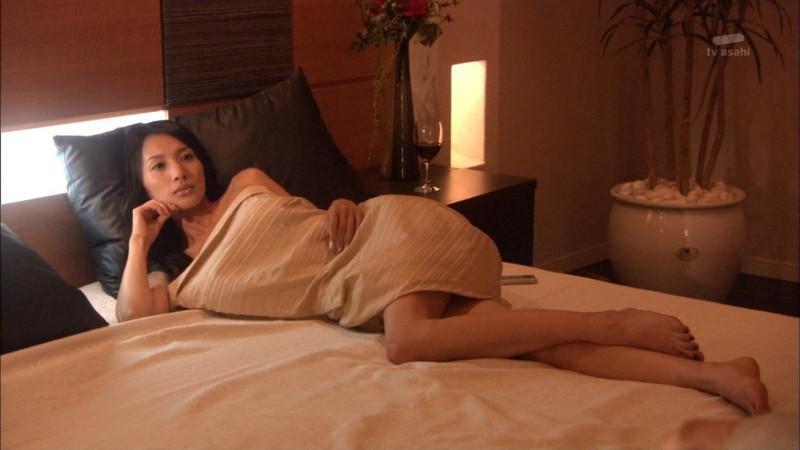【芦名星濡れ場画像】元ファッションモデルの女優が演じる艶めかしいセックスシーン 28