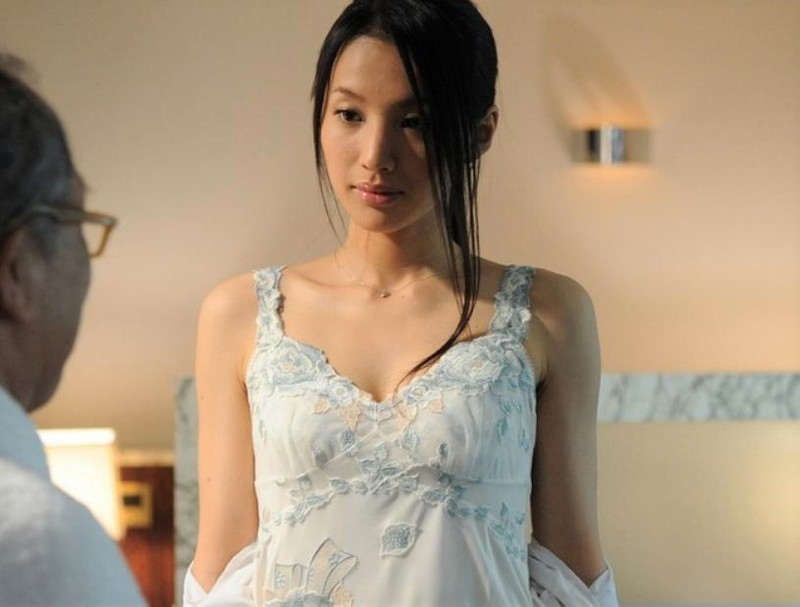 【芦名星濡れ場画像】元ファッションモデルの女優が演じる艶めかしいセックスシーン 68