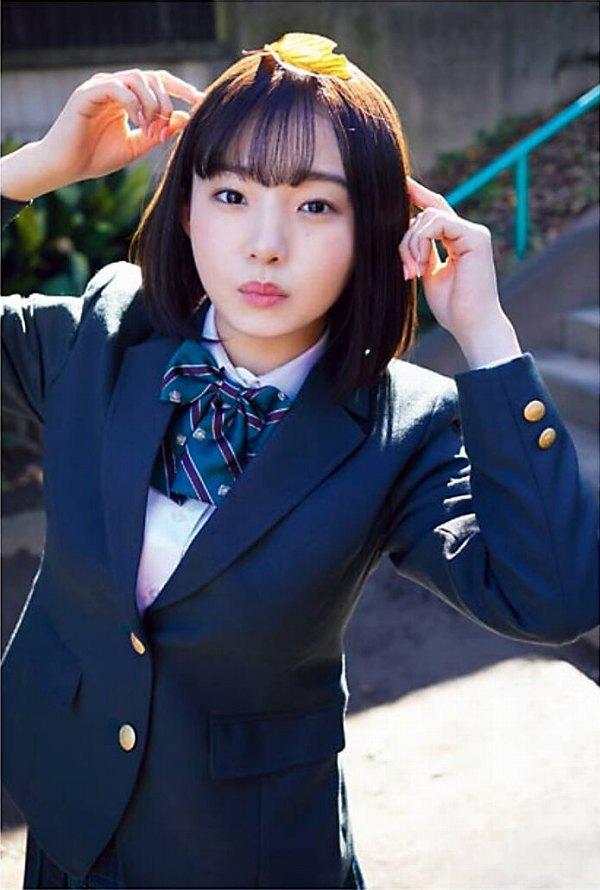 【花咲ひよりエロ画像】禁止されてたファン繋がりがバレて解雇されたロリ巨乳アイドル 03