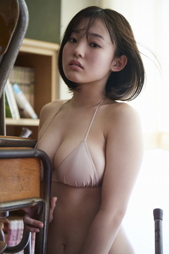 【花咲ひよりエロ画像】禁止されてたファン繋がりがバレて解雇されたロリ巨乳アイドル 30
