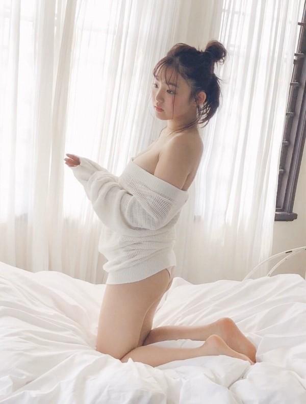 【花咲ひよりエロ画像】禁止されてたファン繋がりがバレて解雇されたロリ巨乳アイドル 54