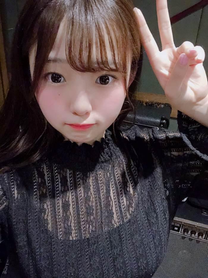 【花咲ひよりエロ画像】禁止されてたファン繋がりがバレて解雇されたロリ巨乳アイドル 68