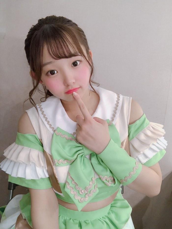 【花咲ひよりエロ画像】禁止されてたファン繋がりがバレて解雇されたロリ巨乳アイドル 70