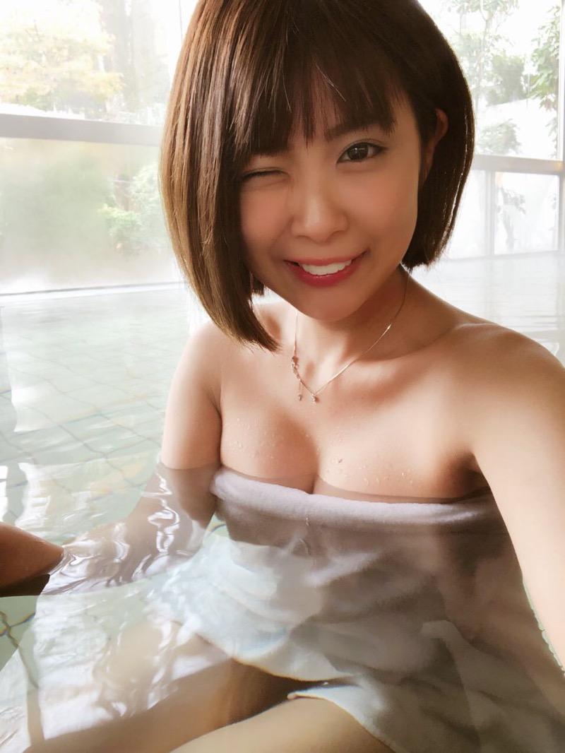 【三宿菜々エロ画像】自撮りでパンチラさせまくりの崖っぷちグラビアイドル!? 11