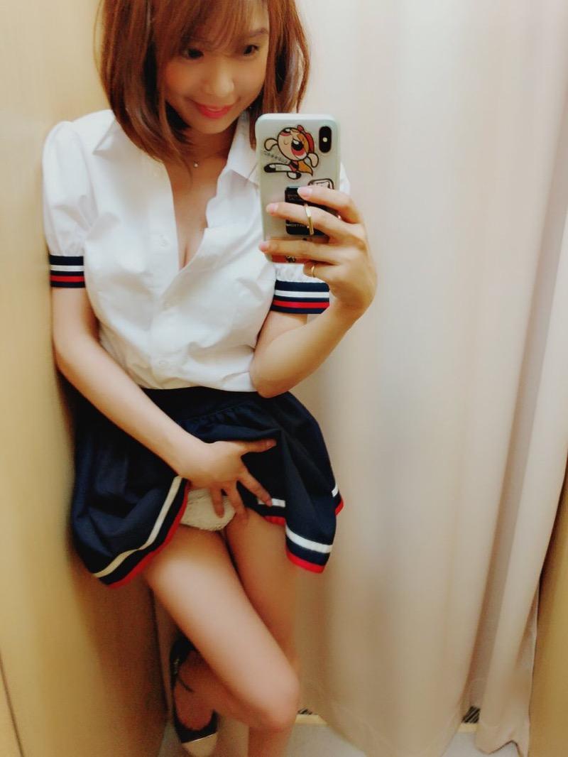 【三宿菜々エロ画像】自撮りでパンチラさせまくりの崖っぷちグラビアイドル!? 48