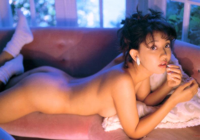 【原久美子お宝画像】アラフィフのベテラン女優が昔撮ったヌードが結構エロいw