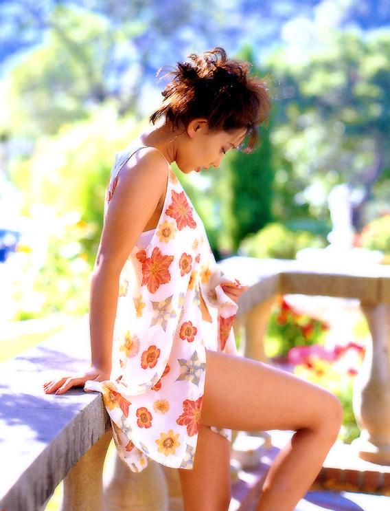 【原久美子お宝画像】アラフィフのベテラン女優が昔撮ったヌードが結構エロいw 14