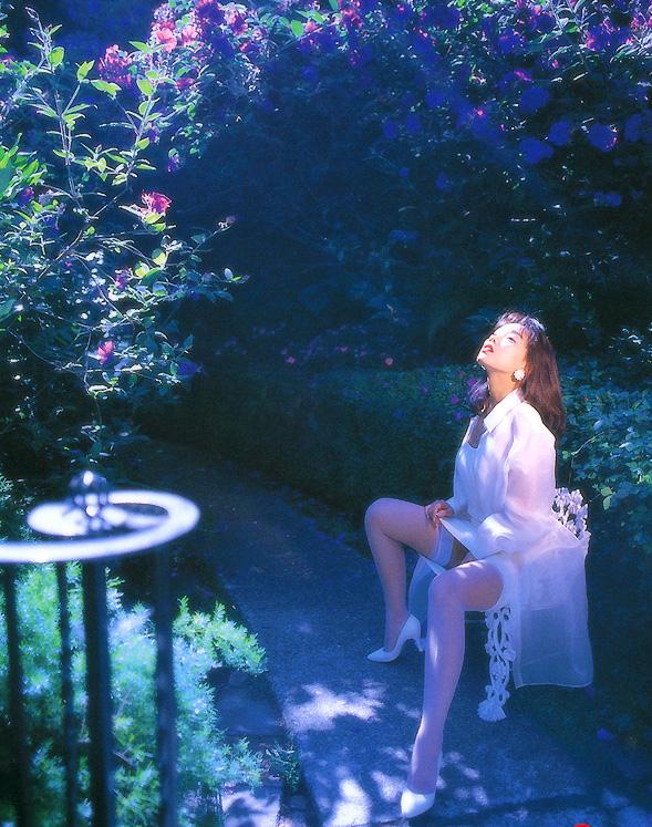 【原久美子お宝画像】アラフィフのベテラン女優が昔撮ったヌードが結構エロいw 22