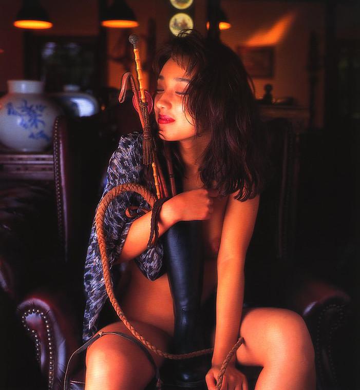 【原久美子お宝画像】アラフィフのベテラン女優が昔撮ったヌードが結構エロいw 27