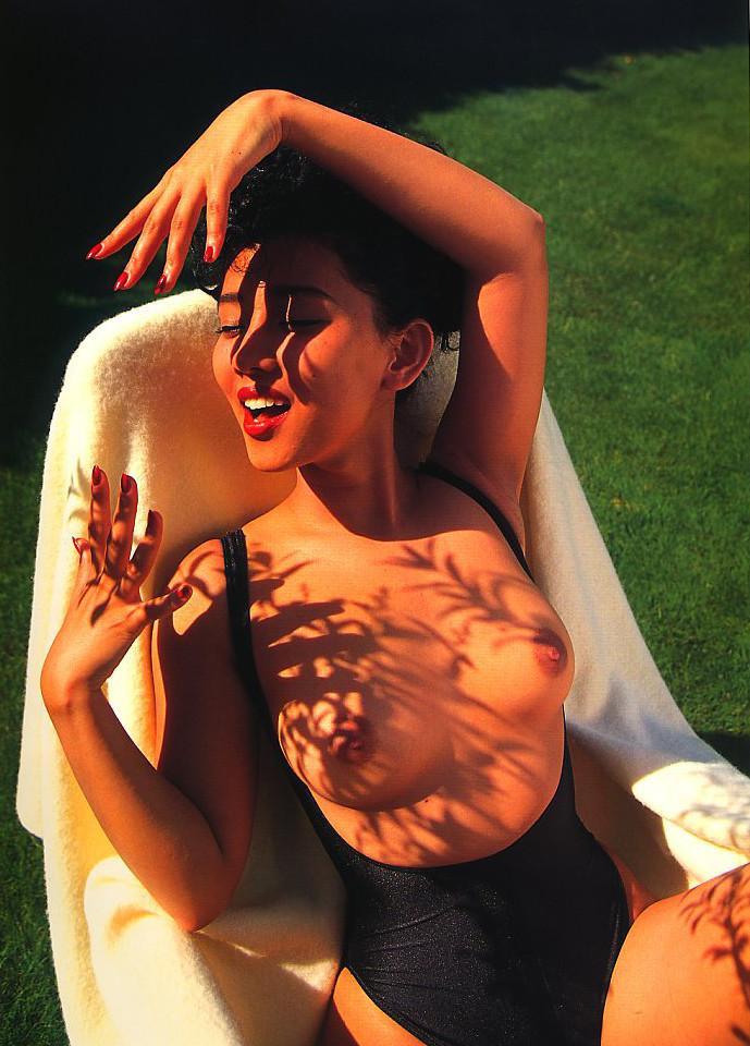 【原久美子お宝画像】アラフィフのベテラン女優が昔撮ったヌードが結構エロいw 40