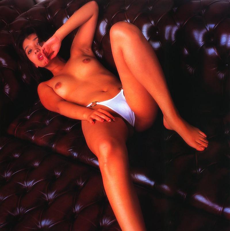 【原久美子お宝画像】アラフィフのベテラン女優が昔撮ったヌードが結構エロいw 43