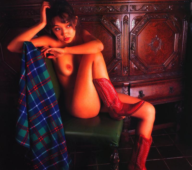 【原久美子お宝画像】アラフィフのベテラン女優が昔撮ったヌードが結構エロいw 74