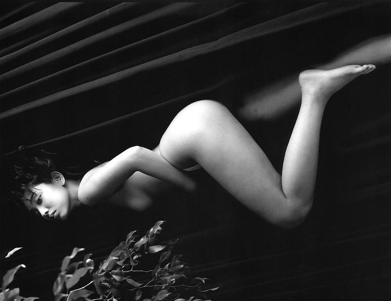 【原久美子お宝画像】アラフィフのベテラン女優が昔撮ったヌードが結構エロいw 75
