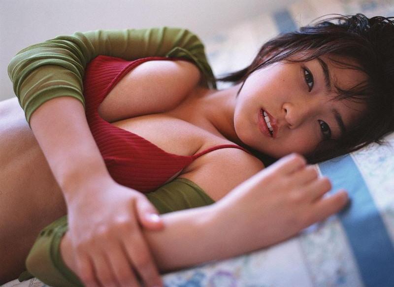 【平田裕香グラビア画像】戦隊ドラマの敵役で注目されたFカップボディのマルチタレント 09