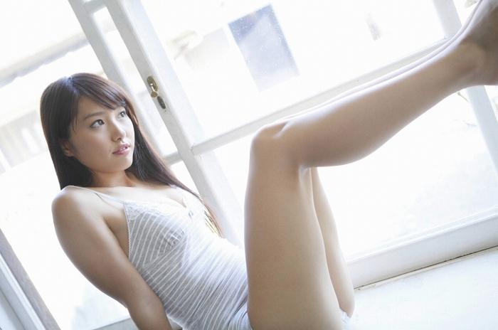 【広村美つ美グラビア画像】微乳スレンダーなお姉さんが好きな人にはハマりそうw