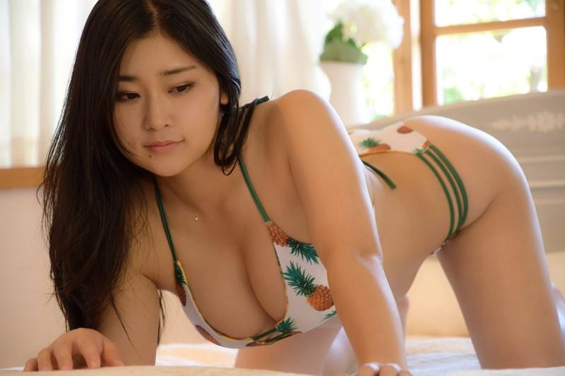【深井彩夏エロ画像】イメージビデオで乳首を見せまくってたGカップ娘の現在は? 46
