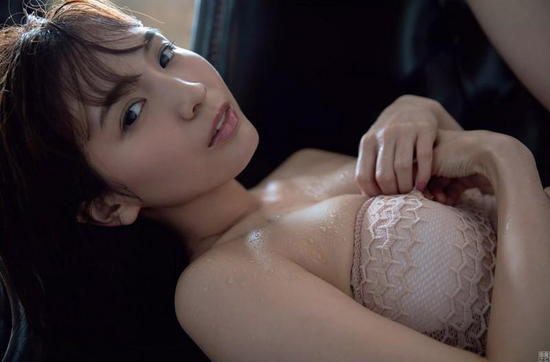 【ほのかグラビア画像】スリムボディがキレイでエロいグラビアモデルのビキニ写真!