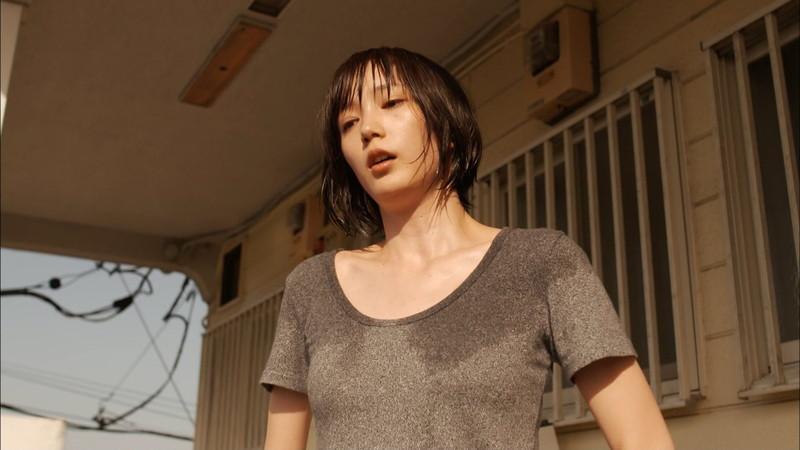 【本田翼お宝画像】YouTubeで配信もやっちゃう可愛い女優のちょっとHな出演シーン 26