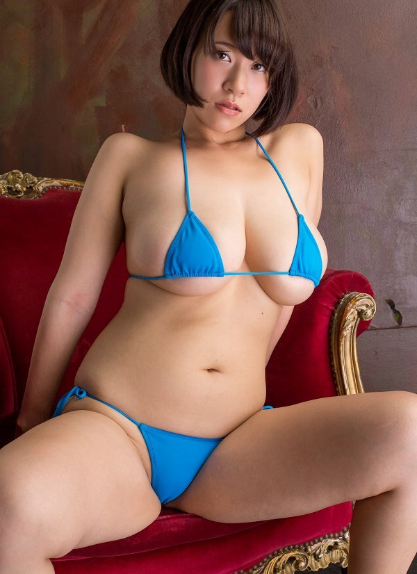 【日比谷亜美グラビア画像】メートル級のデカパイでパイズリさせたい豊満娘! 05
