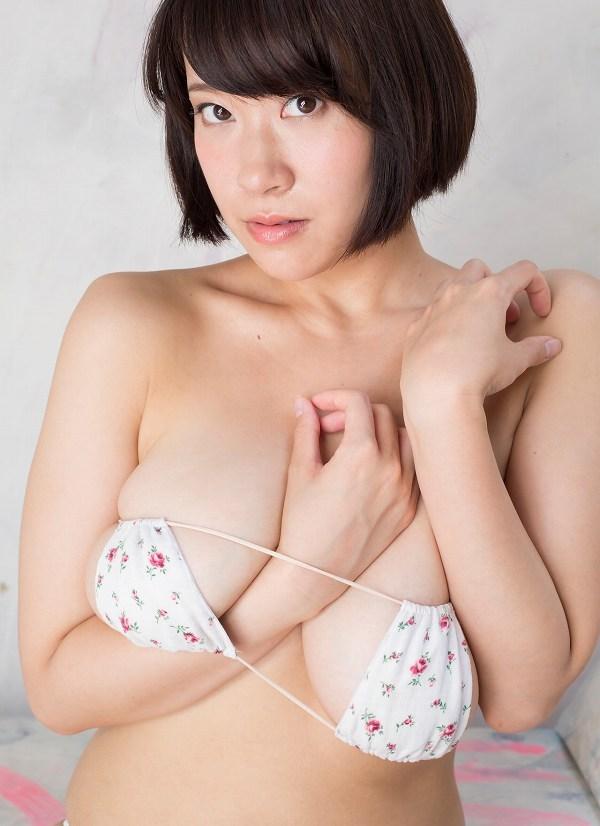 【日比谷亜美グラビア画像】メートル級のデカパイでパイズリさせたい豊満娘! 28