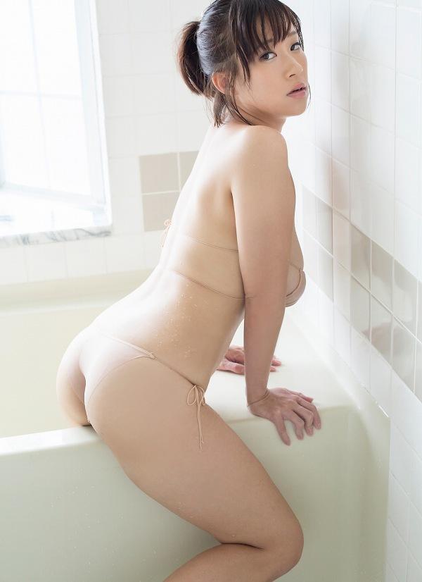 【日比谷亜美グラビア画像】メートル級のデカパイでパイズリさせたい豊満娘! 35