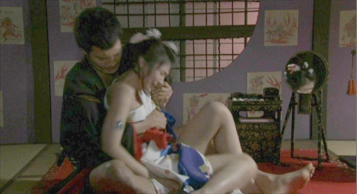 【日南響子キャプ画像】入浴シーンや猫耳コスプレそして乳首を見せてるお宝画像 24