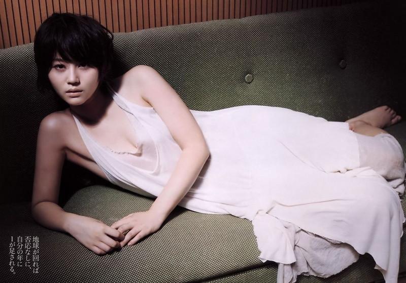 【堀北真希お宝画像】中2でスカウトされた美少女タレントの懐かしいグラビア写真 10
