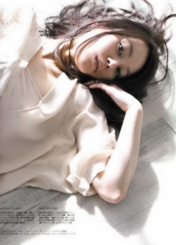 【堀北真希お宝画像】中2でスカウトされた美少女タレントの懐かしいグラビア写真 21