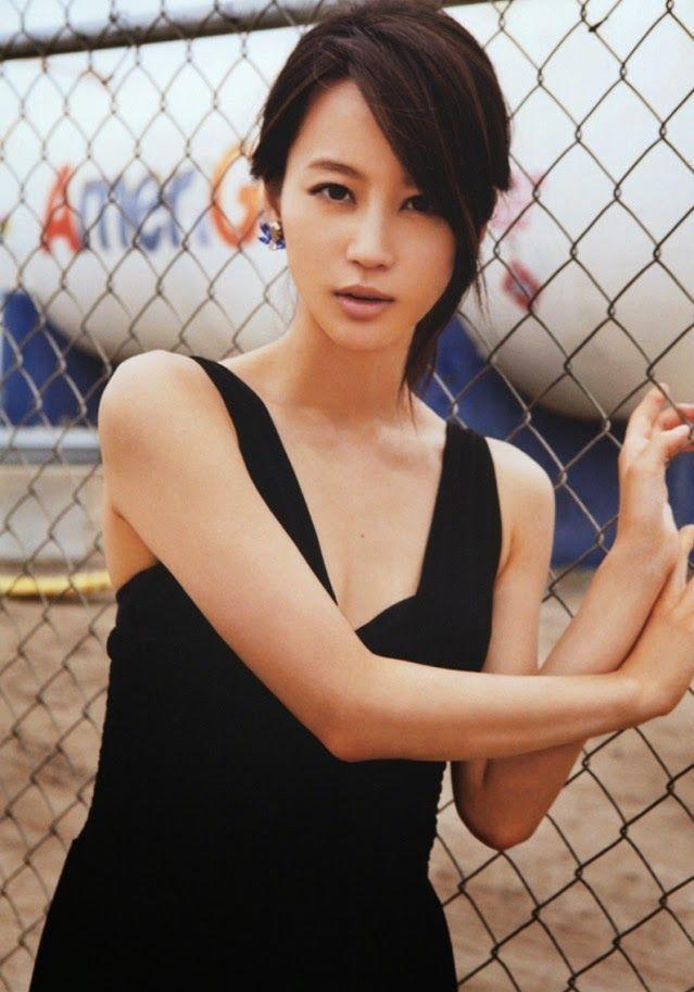 【堀北真希お宝画像】中2でスカウトされた美少女タレントの懐かしいグラビア写真 24