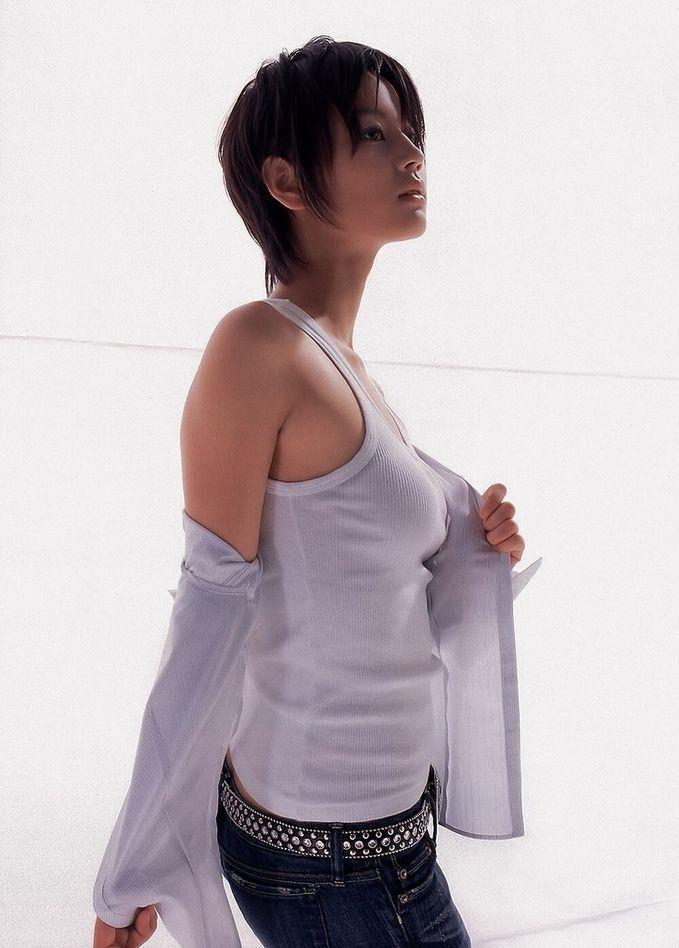 【堀北真希お宝画像】中2でスカウトされた美少女タレントの懐かしいグラビア写真 25