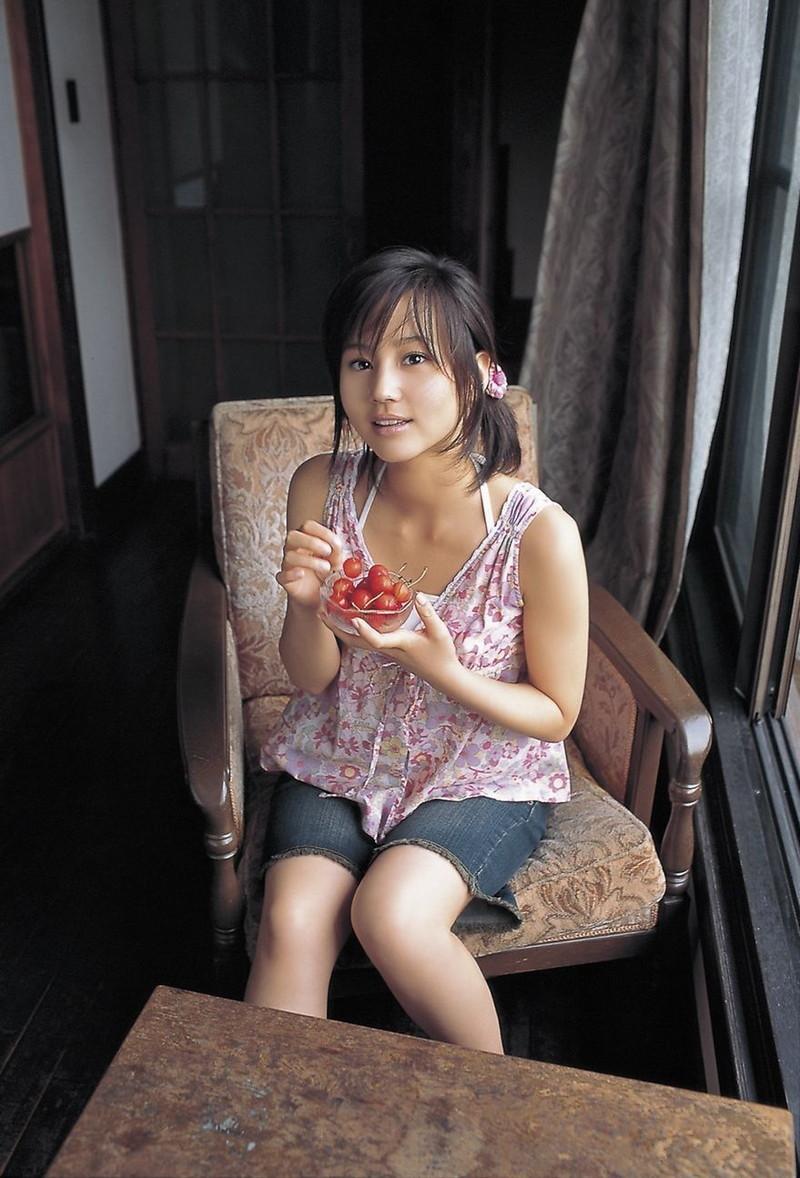 【堀北真希お宝画像】中2でスカウトされた美少女タレントの懐かしいグラビア写真 34
